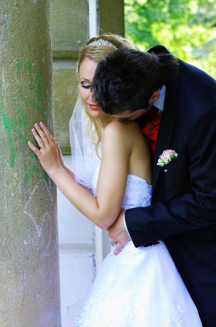 Umelecké foto zo svadby - Obrázok č. 21