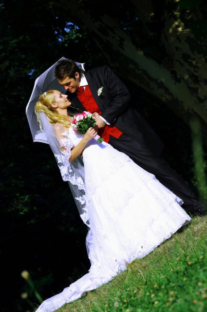 Umelecké foto zo svadby - Obrázok č. 23