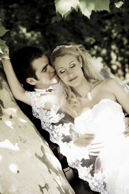 Umelecké foto zo svadby - Obrázok č. 27