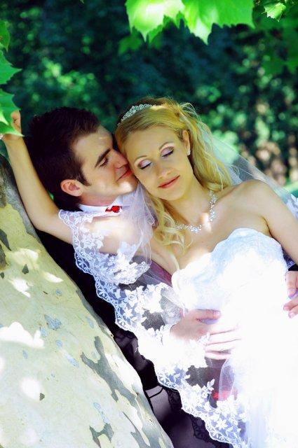 Umelecké foto zo svadby - Obrázok č. 28