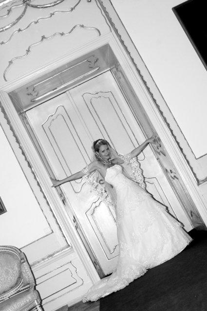 Umelecké foto zo svadby - Obrázok č. 39