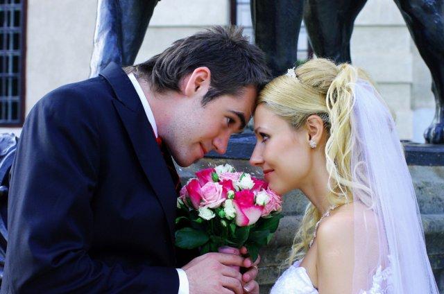 Umelecké foto zo svadby - Obrázok č. 48