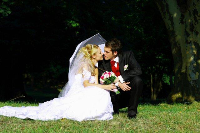 Umelecké foto zo svadby - Obrázok č. 53
