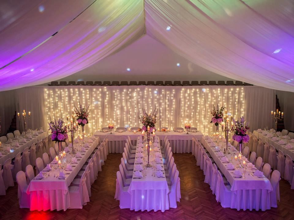 Bude svadba, svadbička :) - ...bledunko ružová farba, svetielka, sviečky....