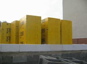 material na stavbu...