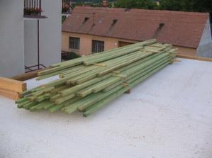 laty na strechu...