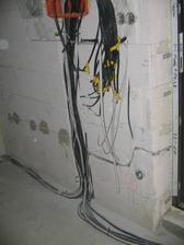 kable na elektriku...