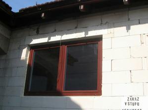 okna SALAMANDER farba MAHAGON izolacne TROJSKLO...