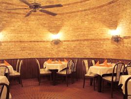 rotunda ve vinarne U Doubků - sem se akorát vejdeme