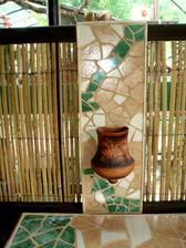Nástěnná váza jako doplněk