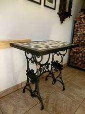 Můj další mozaikový stůl.