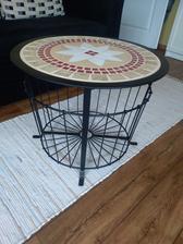 Stůl z IKEA dotvořený mozaikou ♥
