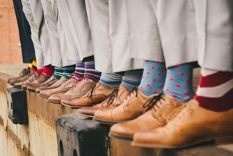 Družbové budou mít barevné ponožky :)