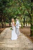 Svatební šaty z pravého hedvábí od Lukáše Lindnera, 34
