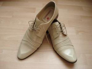 ženíchove topánky