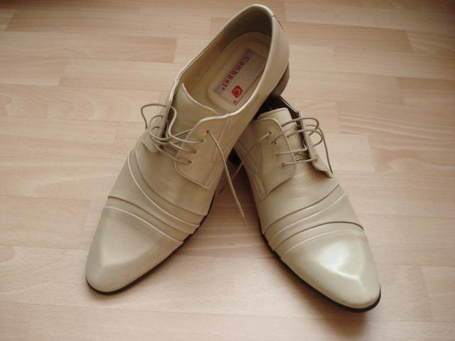 M+D 8.8.2009 - ženíchove topánky