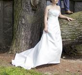 Svatevní šaty vel. 34-38, 36