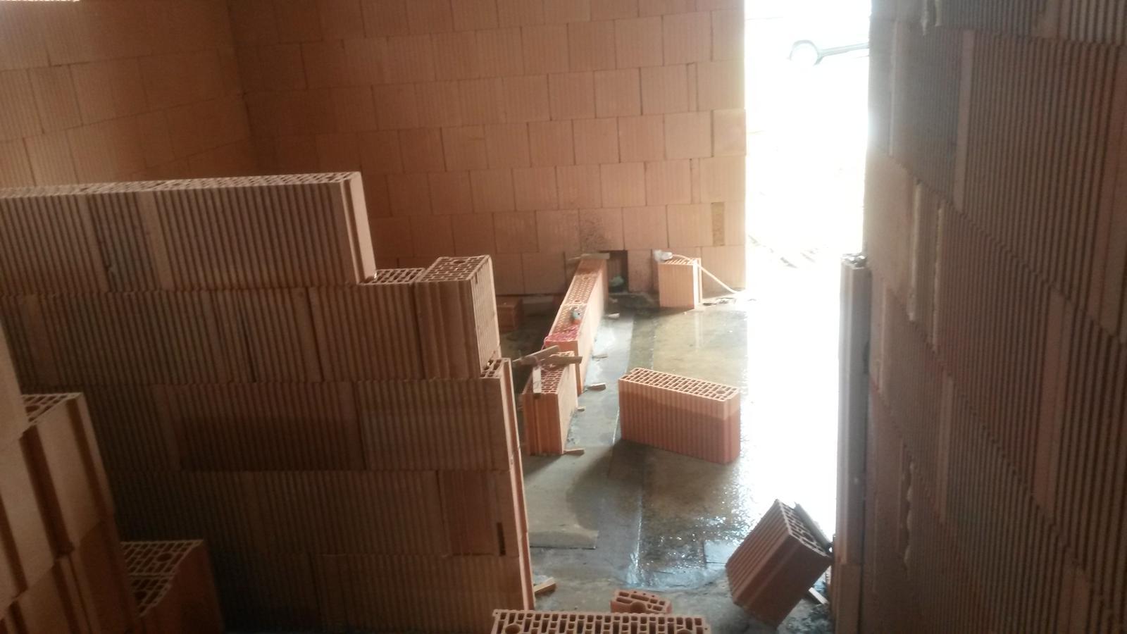 Dom - pohlad z pracovne do vstupnej chodby/schodista