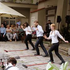 Irskotaneční vystoupení skupiny Sona Sól - tanec s košťaty (a mopem ;) )