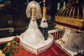 Svadobné fľaše nevesta a ženích,