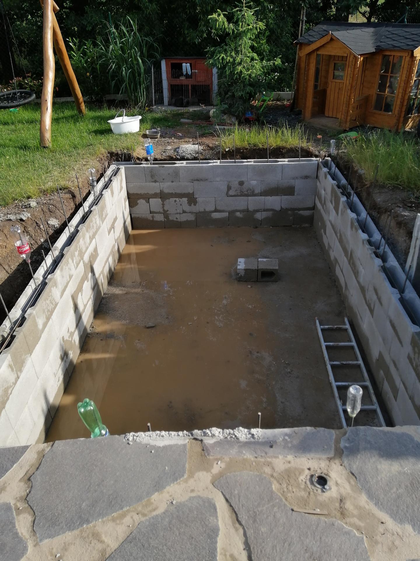 Betonový bazén - Obrázek č. 13