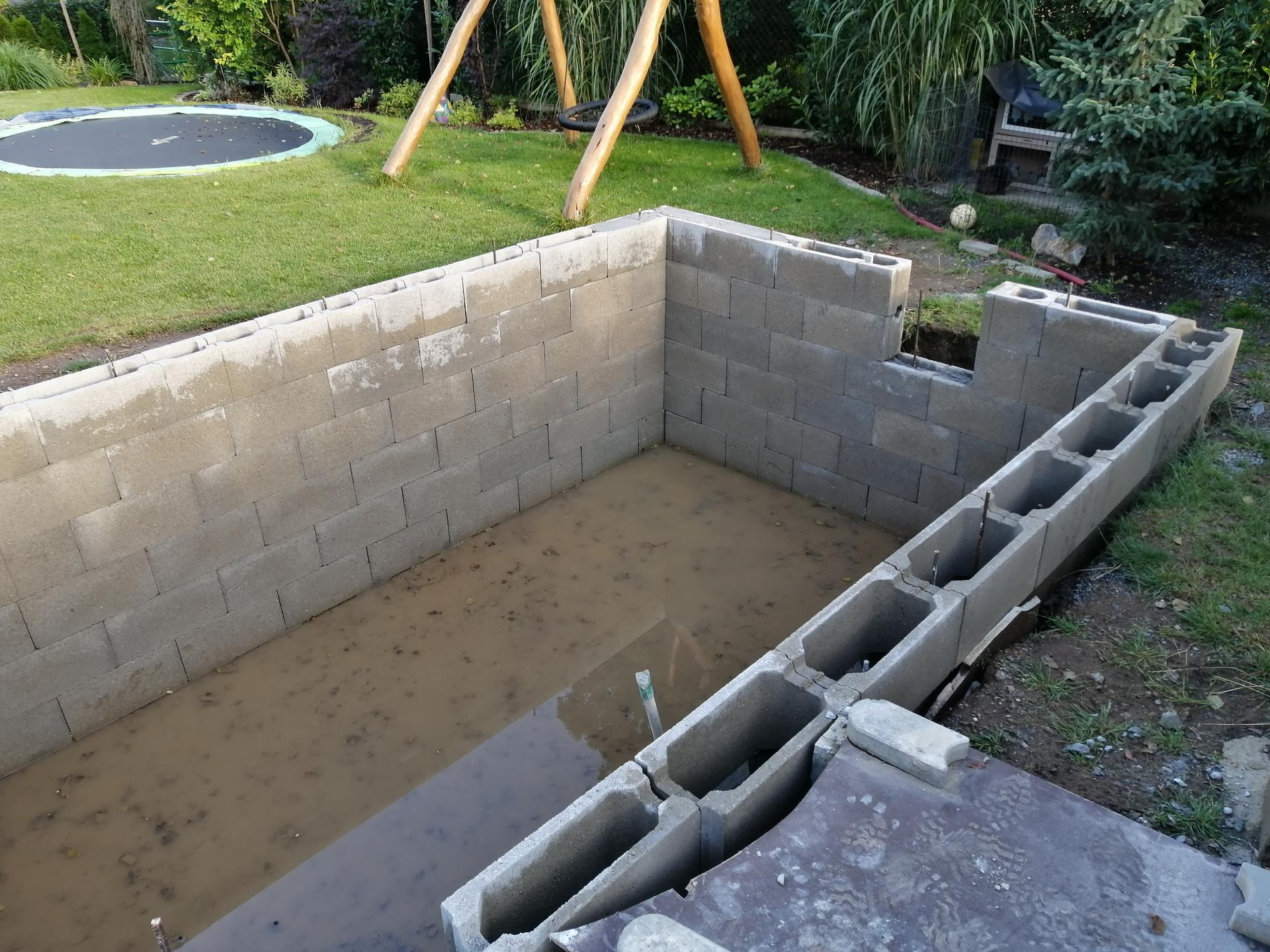 Betonový bazén - Obrázek č. 12