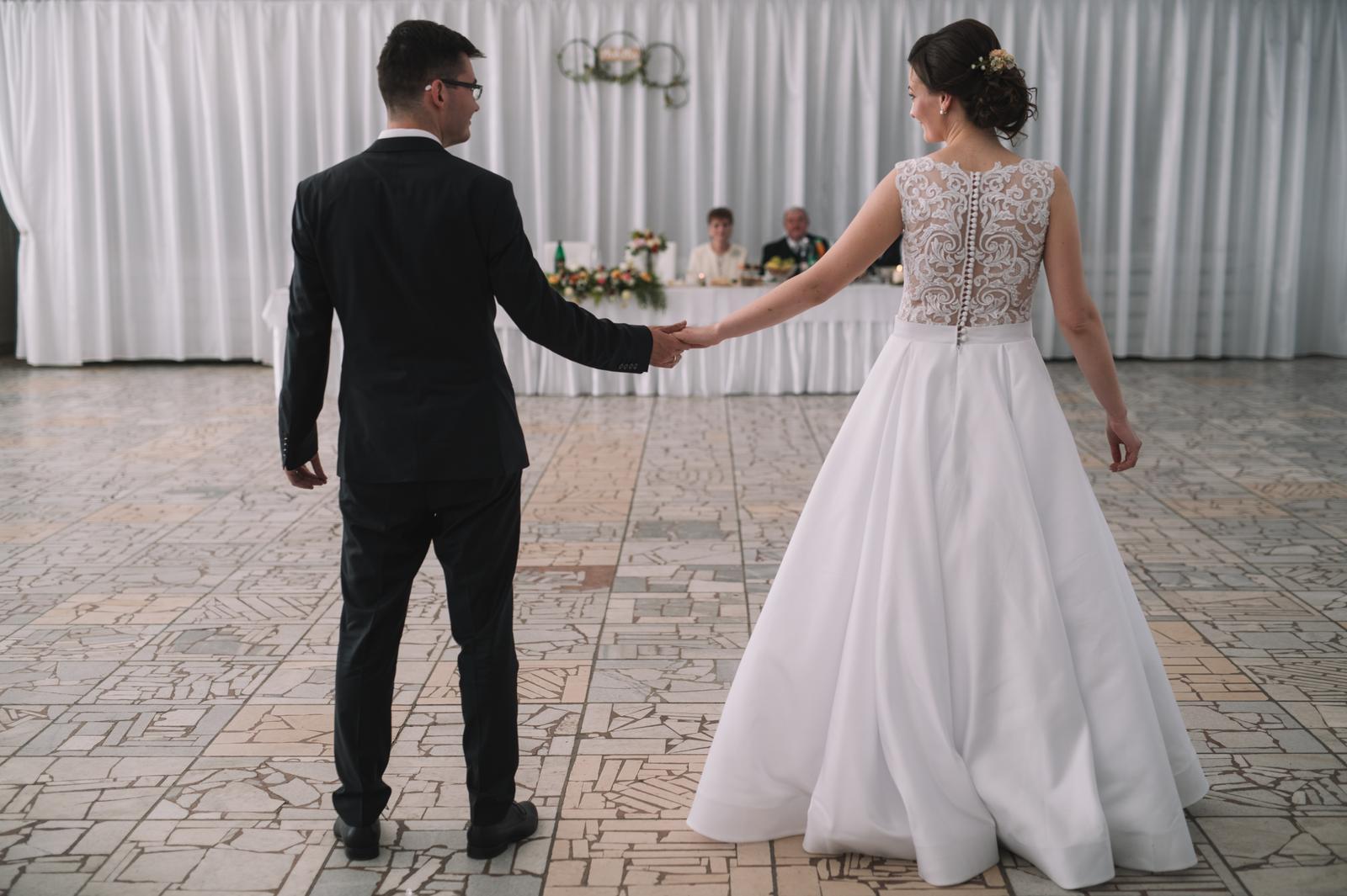 Jemné svadobné šaty - Obrázok č. 2