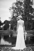 Svadobné šaty s vlečkou šité na mieru , 36