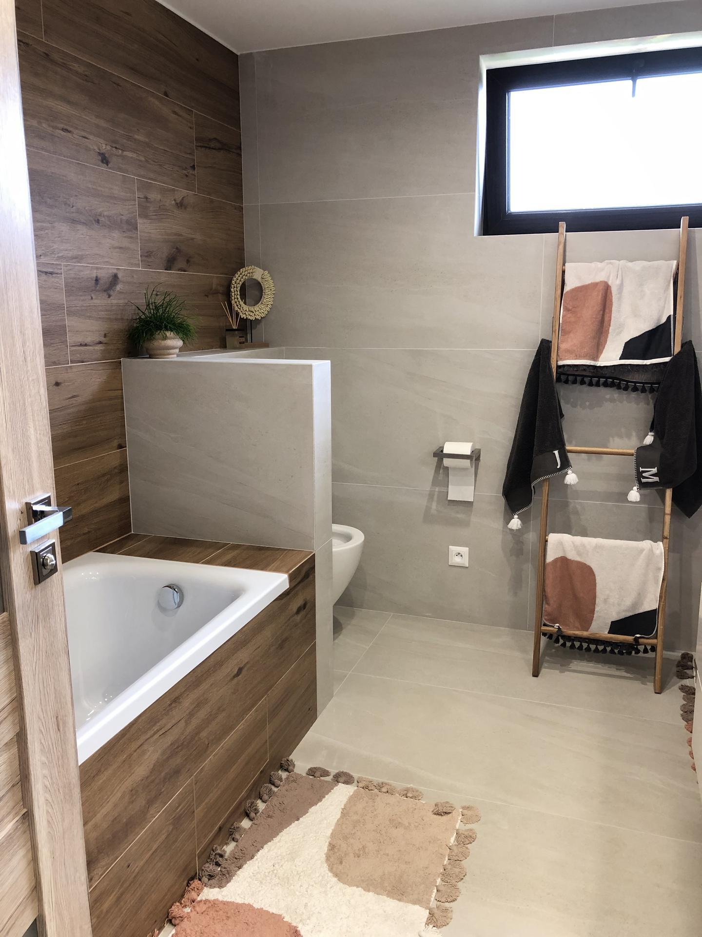 🏡 pomaly zariaďujeme 🏡 - Kúpeľňa je s vaňou a sprchovym kútom + ďalšie WC