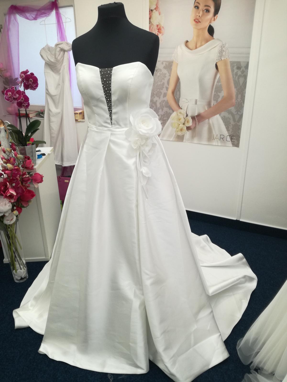 Nové svatební šaty - Obrázek č. 1