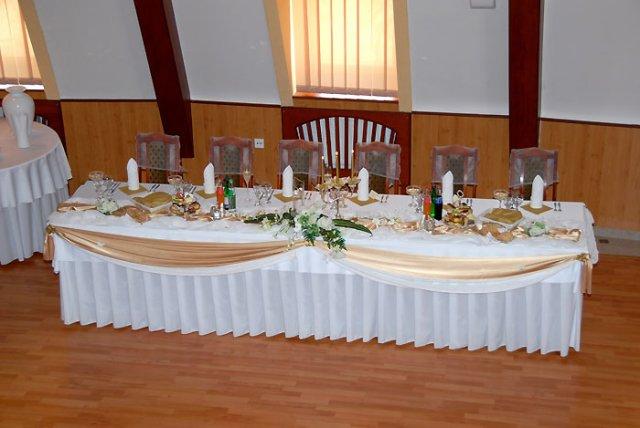 Radanka a Branko - hlavny stol