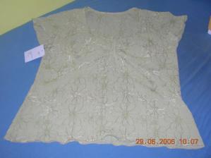 detail tuniky
