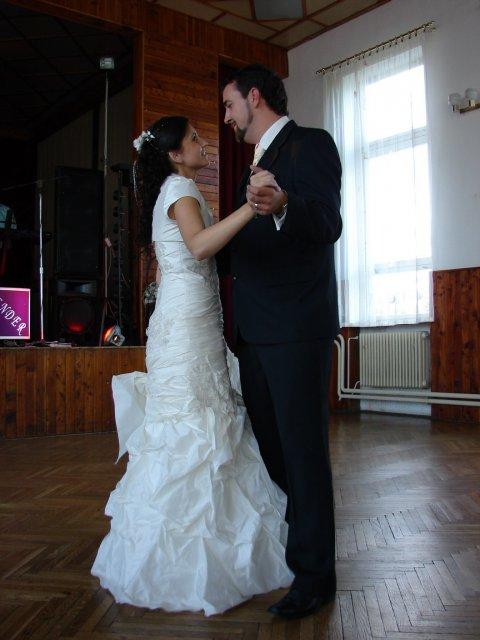 Lucia Kočišová{{_AND_}}Rastislav Kubičár - Prvý tanec novomanželov
