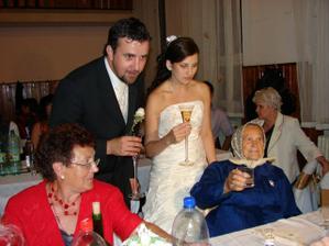 Prípitok so ženíchovou babkou