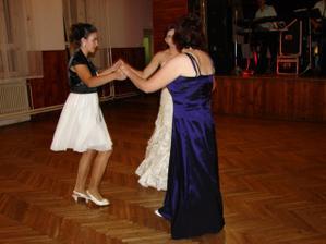 Radový tanec so sestrami