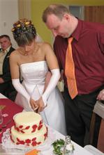 krájíme moc dobrý dortík