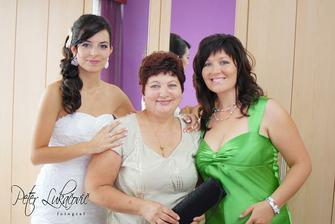 s maminou a sestričkou