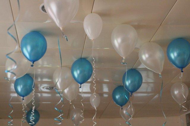 Už sa to blíži :D - baloniky ale kombinacia fialova biela