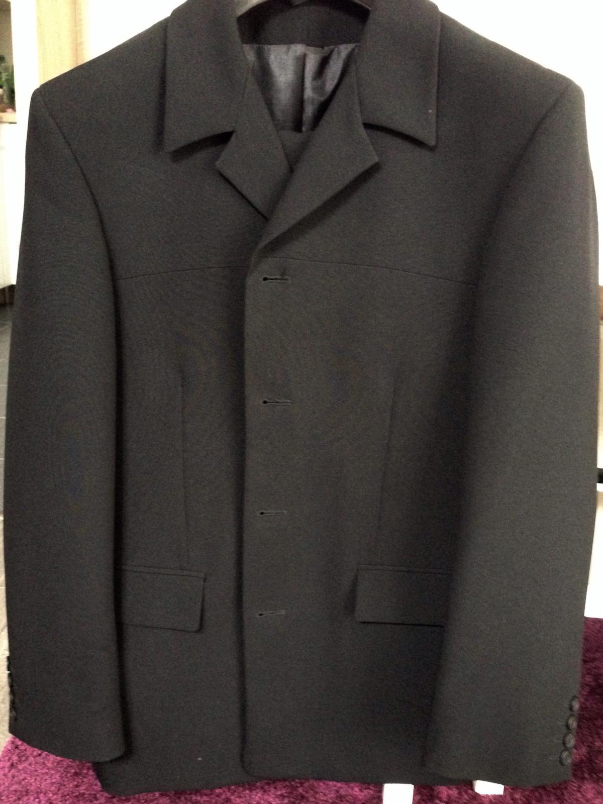 Oblek zn. Jamel - Obrázok č. 1
