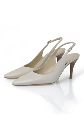 Especially for him ;) - my chic Hobbs shoes in ivory leather