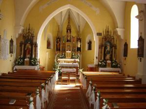 Výzdoba kostola - robila ju moja šikovná teta