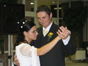 1. manželský tanec - 3. oriešky pre Popolušku - sústredíme sa :-)