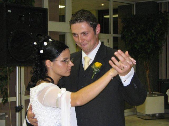 Majka{{_AND_}}Peťko - 1. manželský tanec - 3. oriešky pre Popolušku - sústredíme sa :-)