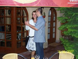 První novomanželský taneček