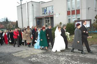 Sprievod do kostola