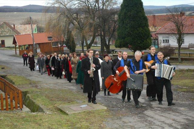 Radka Líšková{{_AND_}}Milan Michalovský - Bolo veselo, hudba hrala, všetci sa usmievali ...