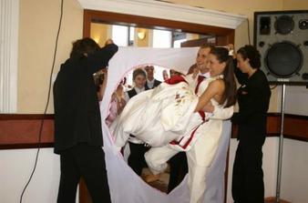 Potom cez naše srdce prešli skutočne aj symbolicky všetci svadobčania