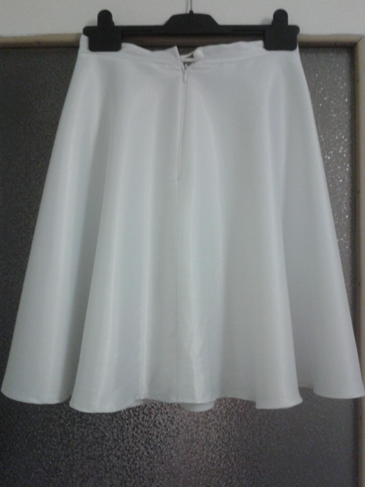 Biela saténová sukňa - Obrázok č. 2