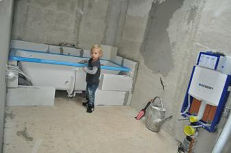 12.9.2010 ... začínáme dělat koupelnu ...