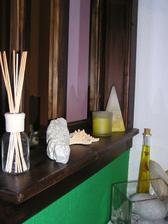 Voňačka, kameň z dovolenky a sviečky pre radosť...